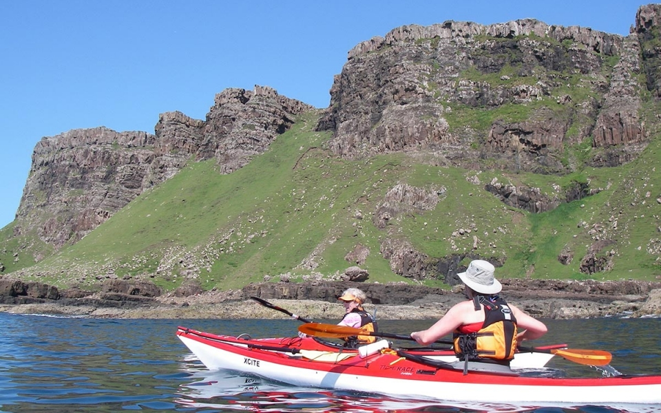 glenuig-inn-sound-of-arasaig-sea-kayak